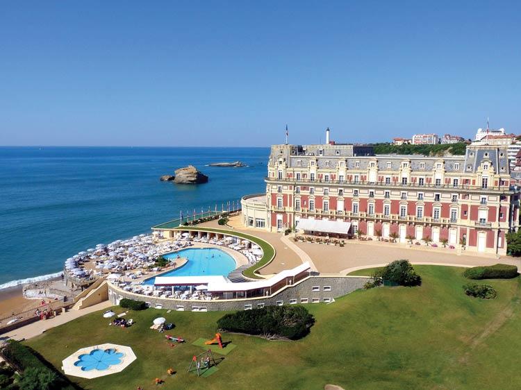 富麗堂皇的濱海酒店Hôtel du Palais;Photos courtesy of Hôtel du Palais
