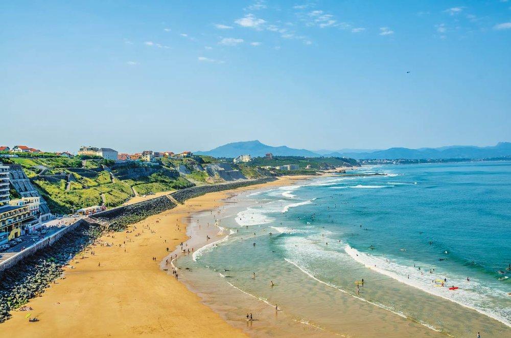 比亞里茨的衝浪海灘。Kevin Eaves / Shutterstock.com