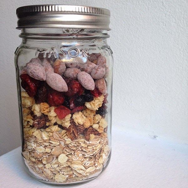 oatmeal in a mason jar, breakfast in a mason jar