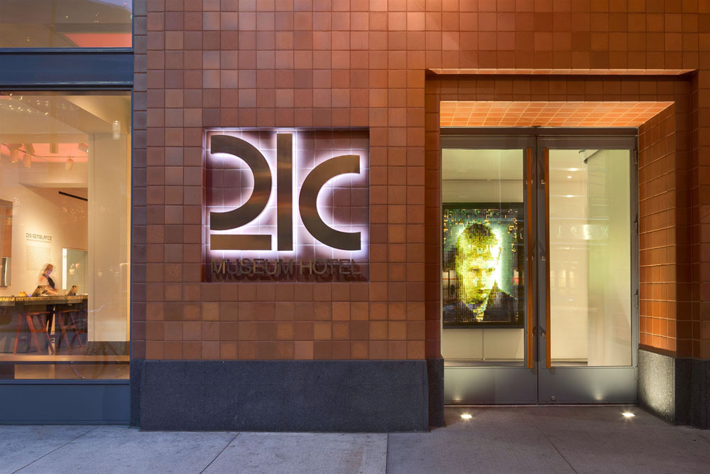 21C Museum Hotel Cincinnati, OH