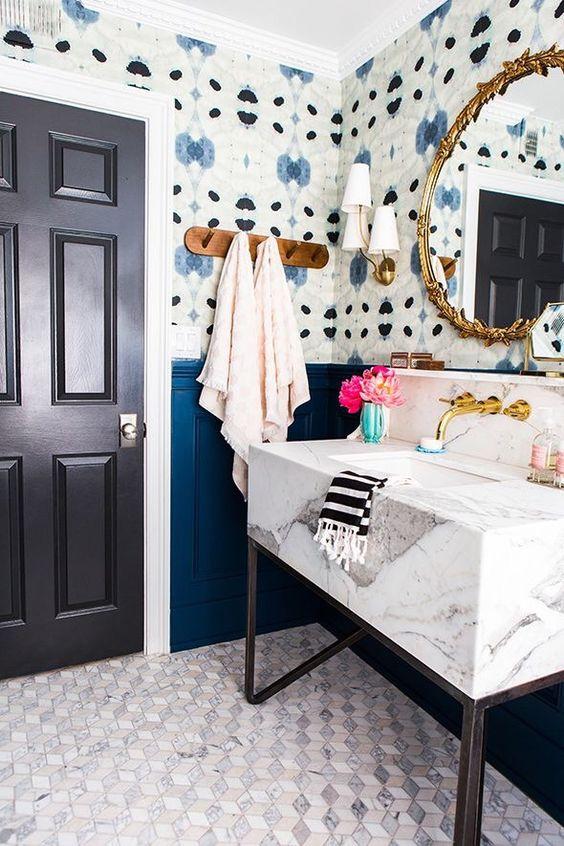 Blue wallpaper bathroom