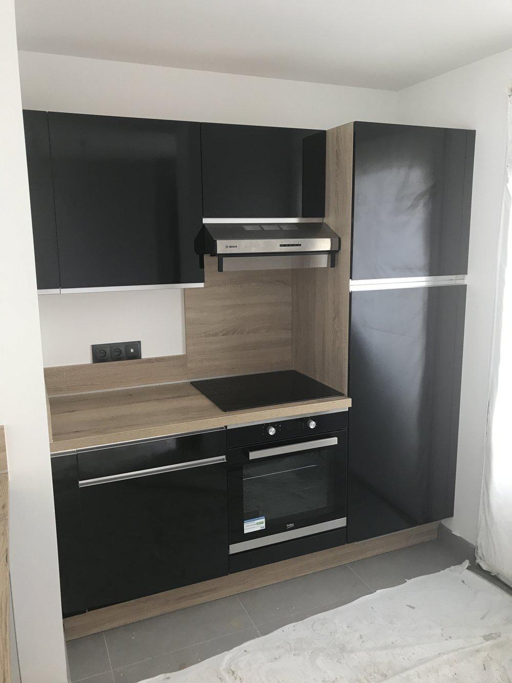 Installation des cuisines aménagées et équipées du groupe MOBALPA
