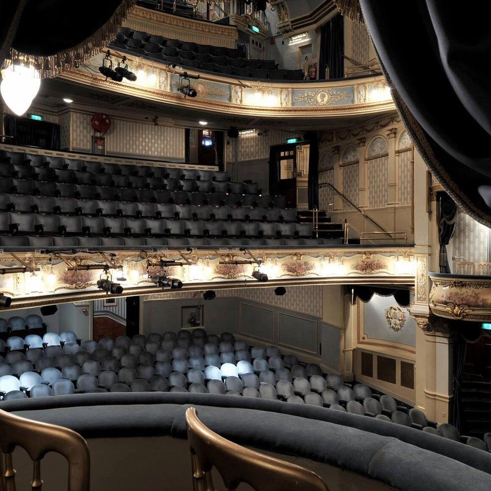 Wyndhams-Theatre_UK_Auditorium1_Philip-Vile_2.jpg
