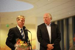 Adm. dir. for Værste Trond Delbekk t.v. sammen med styreleder Jon Brynildsen.