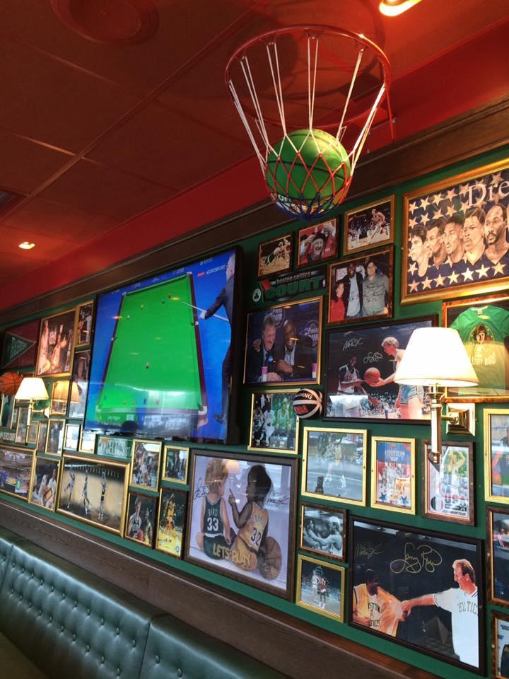 Lag og klubber i Fredrikstad vil kunne sette sitt preg på restauranten ved å bidra med effekter.