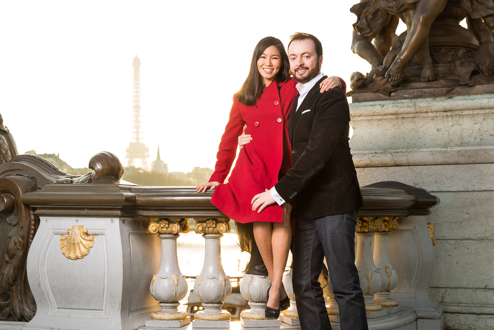 couple enjoying paris in the evening
