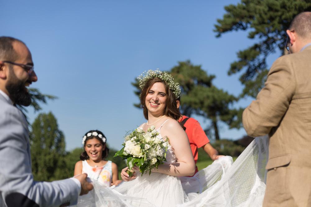 e_newly-weds-paris-7.jpg