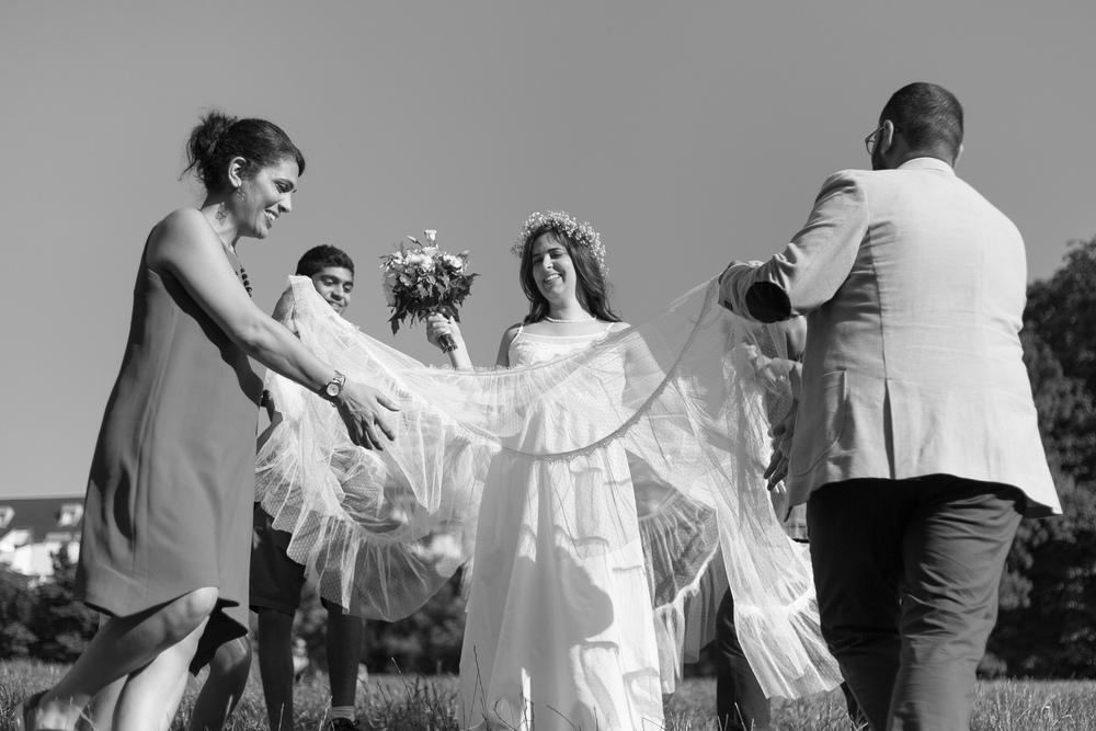 f_married-couple-paris-2.jpg