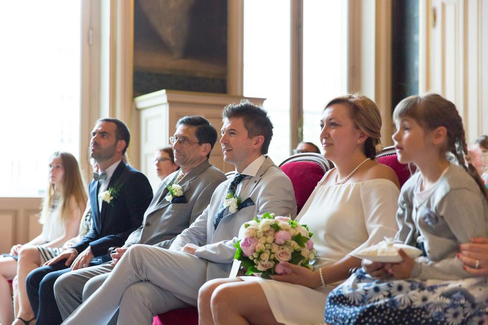 f_paris-wedding-guests-11.jpg