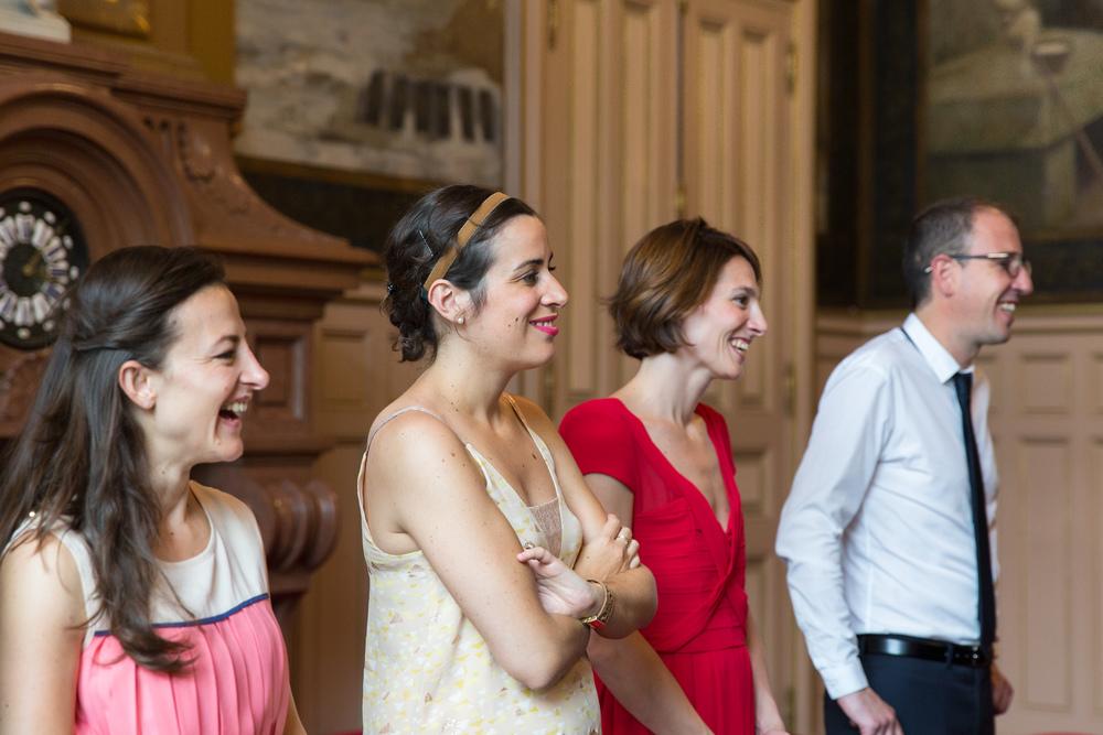 j_laughing-paris-wedding-guests-7.jpg
