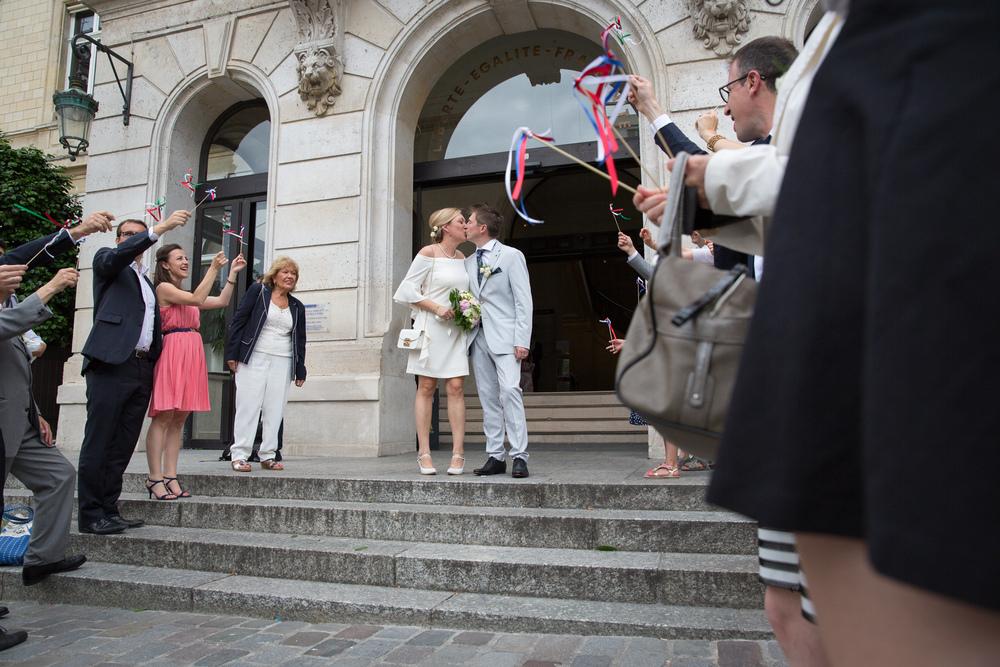 m_wedding-guests-celebrating-9.jpg