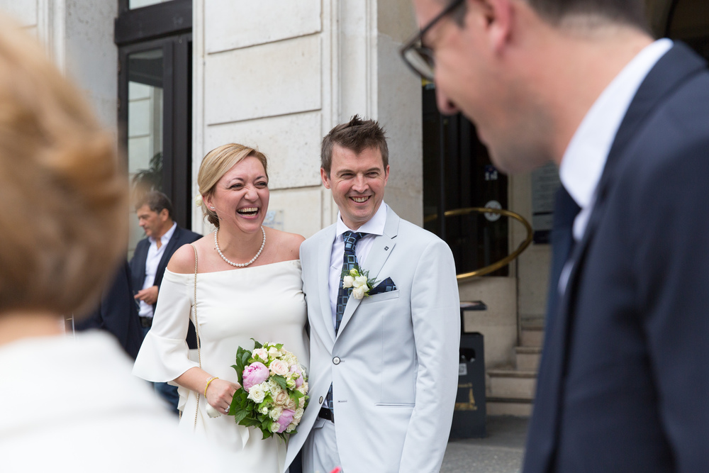 m_wedding-guests-celebrating-13.jpg
