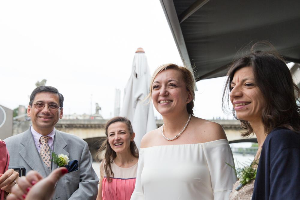 p_wedding-reception-on-paris-boat-11.jpg