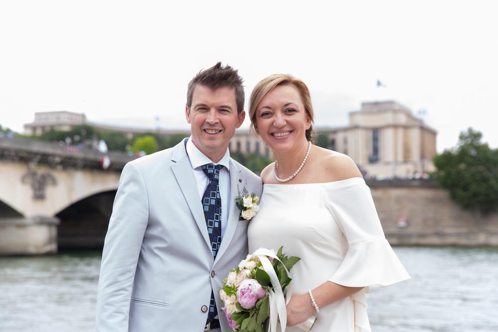 q_eiffel-tower-wedding-11.jpg