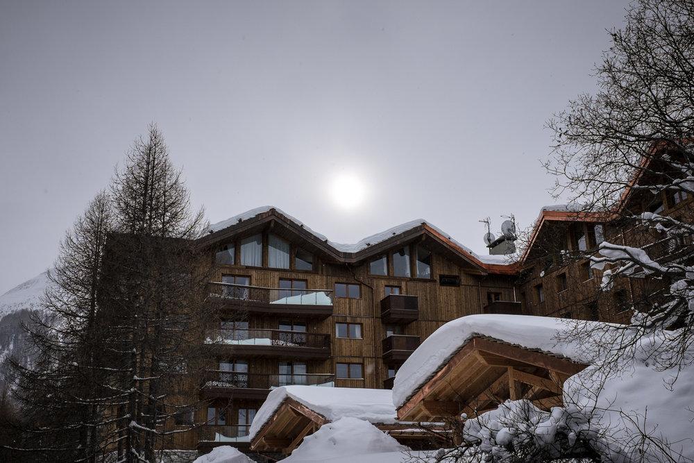 1916-savoie-snow-covered-ski-resort.jpg