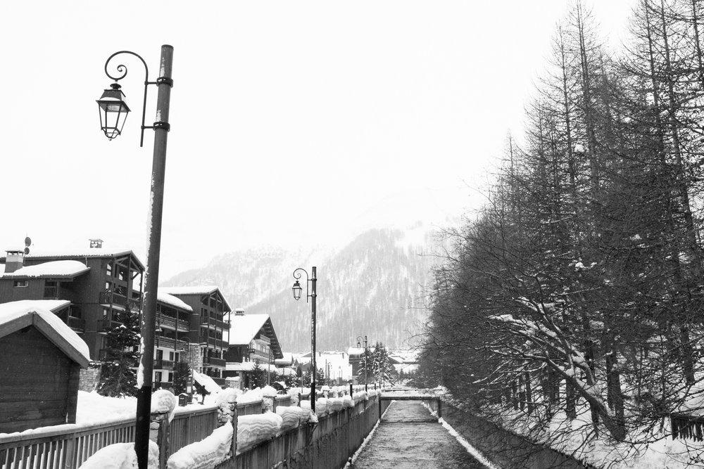 1919-savoie-snow-covered-ski-resort.jpg