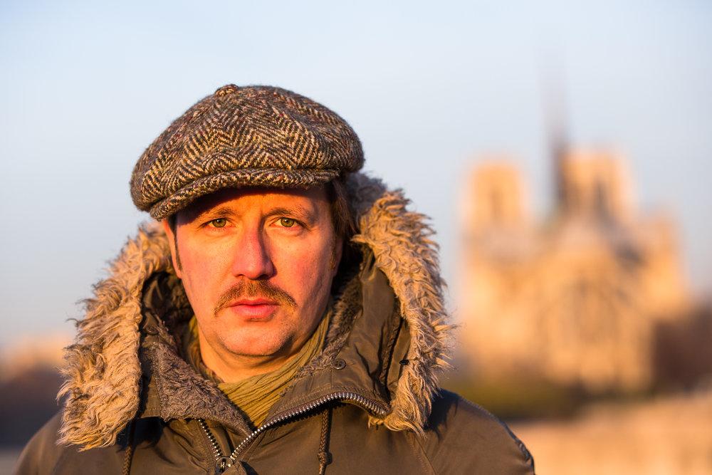 2-stranger-portrait-of-paris-tourist.jpg
