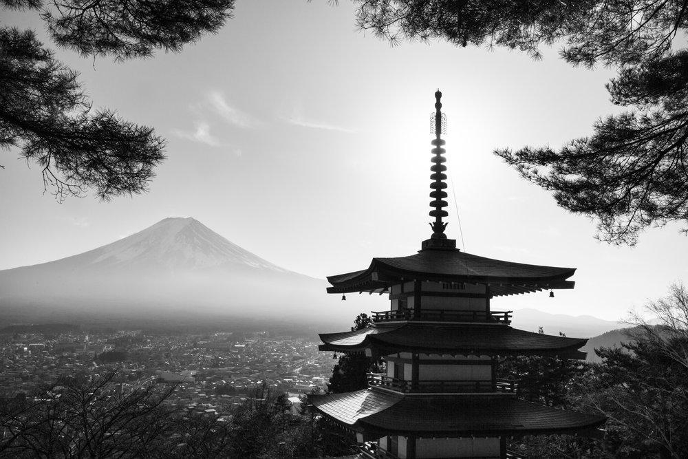 6980-japan-urban-perfect-light.jpg