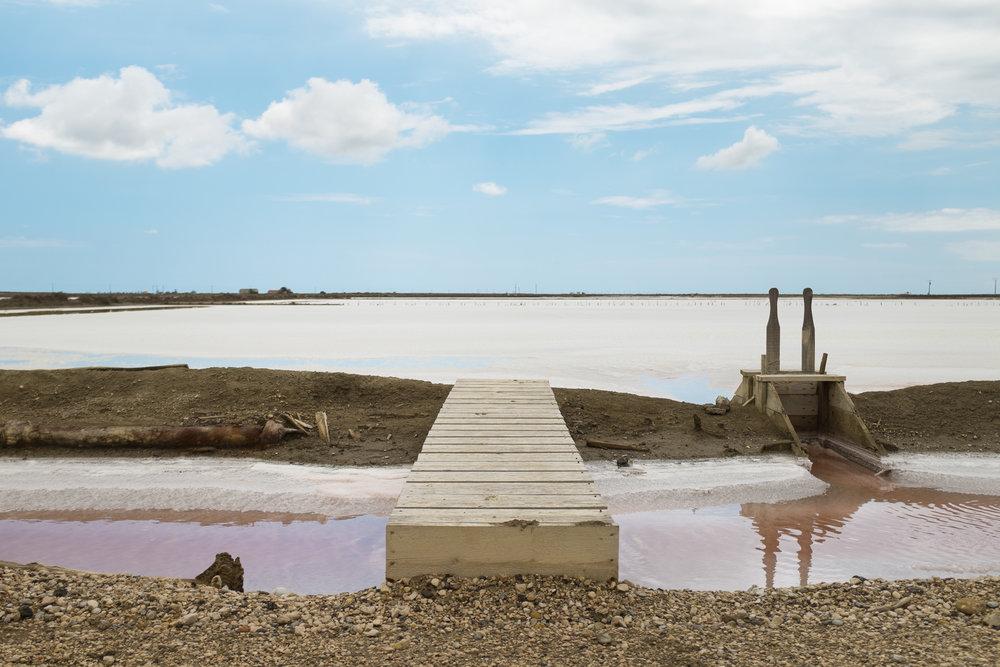 3244-nature-provence-salt-flats.jpg