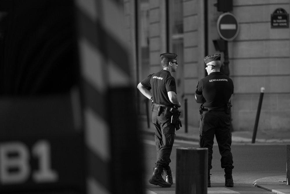 9121-sunrise-street-photography-in-paris.jpg