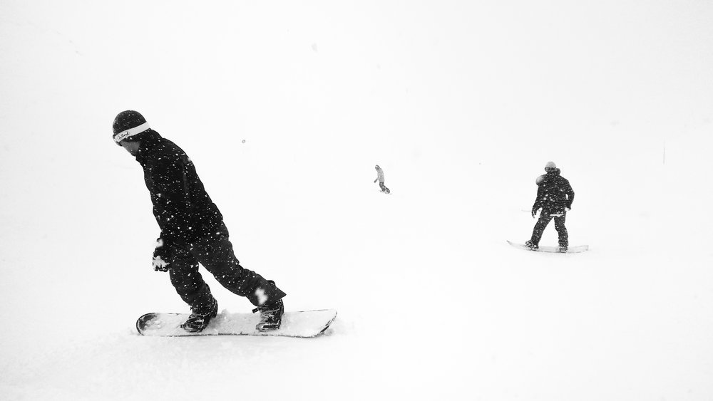 141307-snowboarding-photographer.jpg