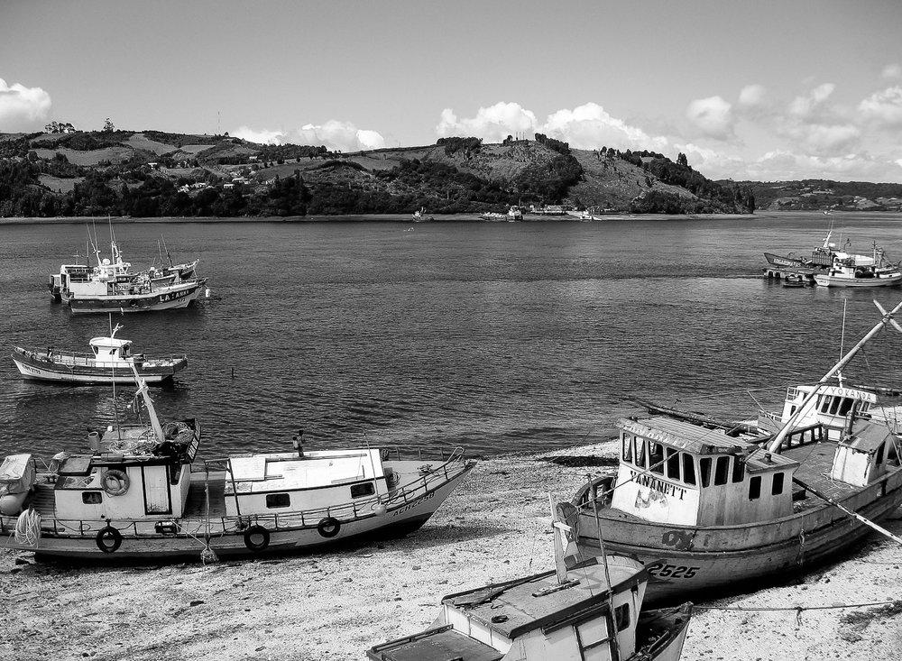 los-lagos_chiloe_castro_islands-trip1-863-beached-boats.jpg