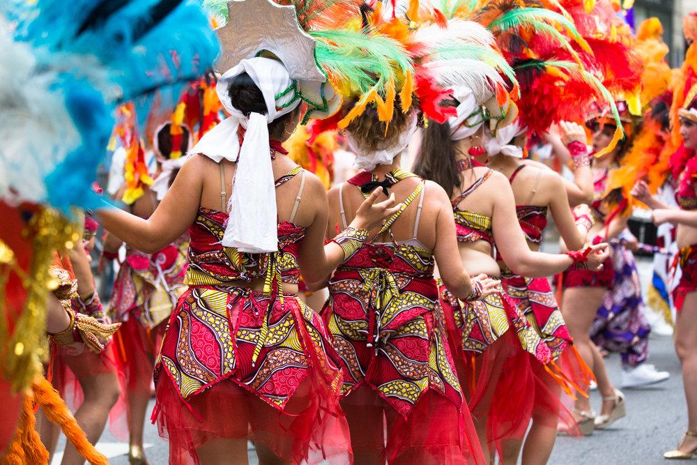 180610_fr_pr_20_procession-couleurs-bresil_0761-dressing-up.jpg