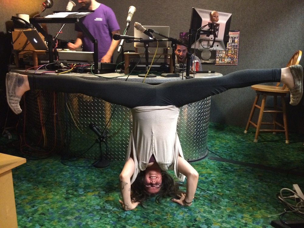 konasana in sirsasana at radio valencia.JPG