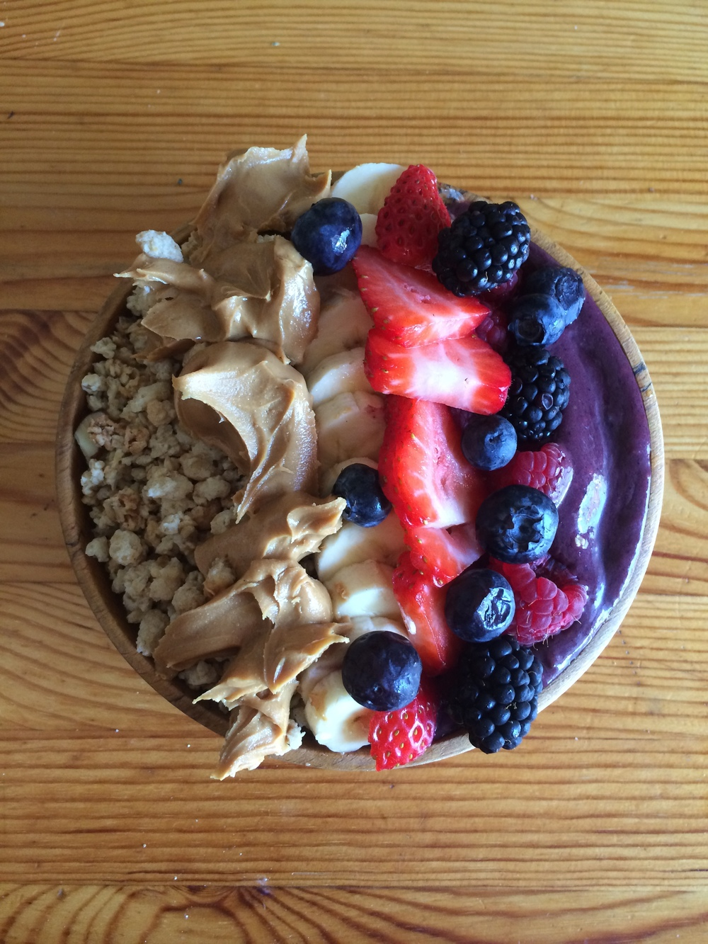 berry acai bowl.JPG
