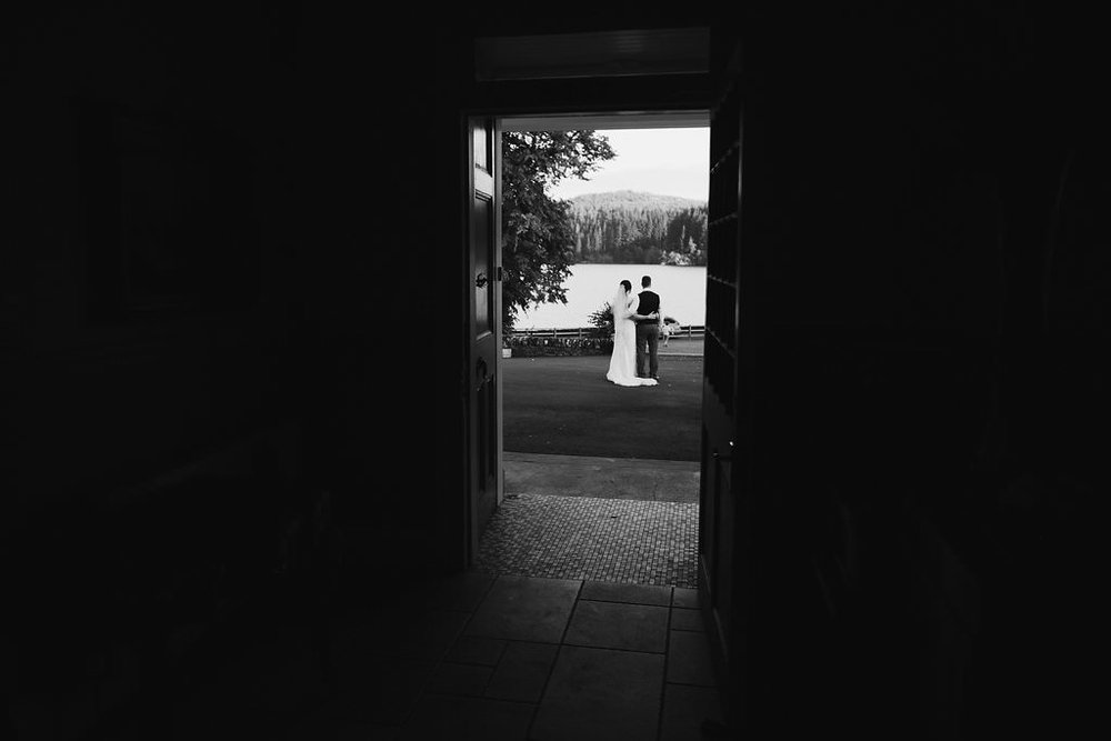 Black & White couple silhouette, image by Doran Photography