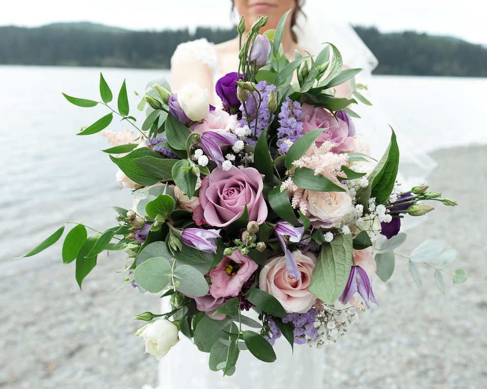 Wedding bouquet, image by Doran Photography