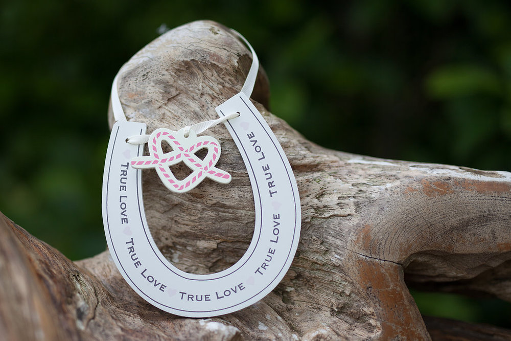 Horse Shoe, by Doran Photography