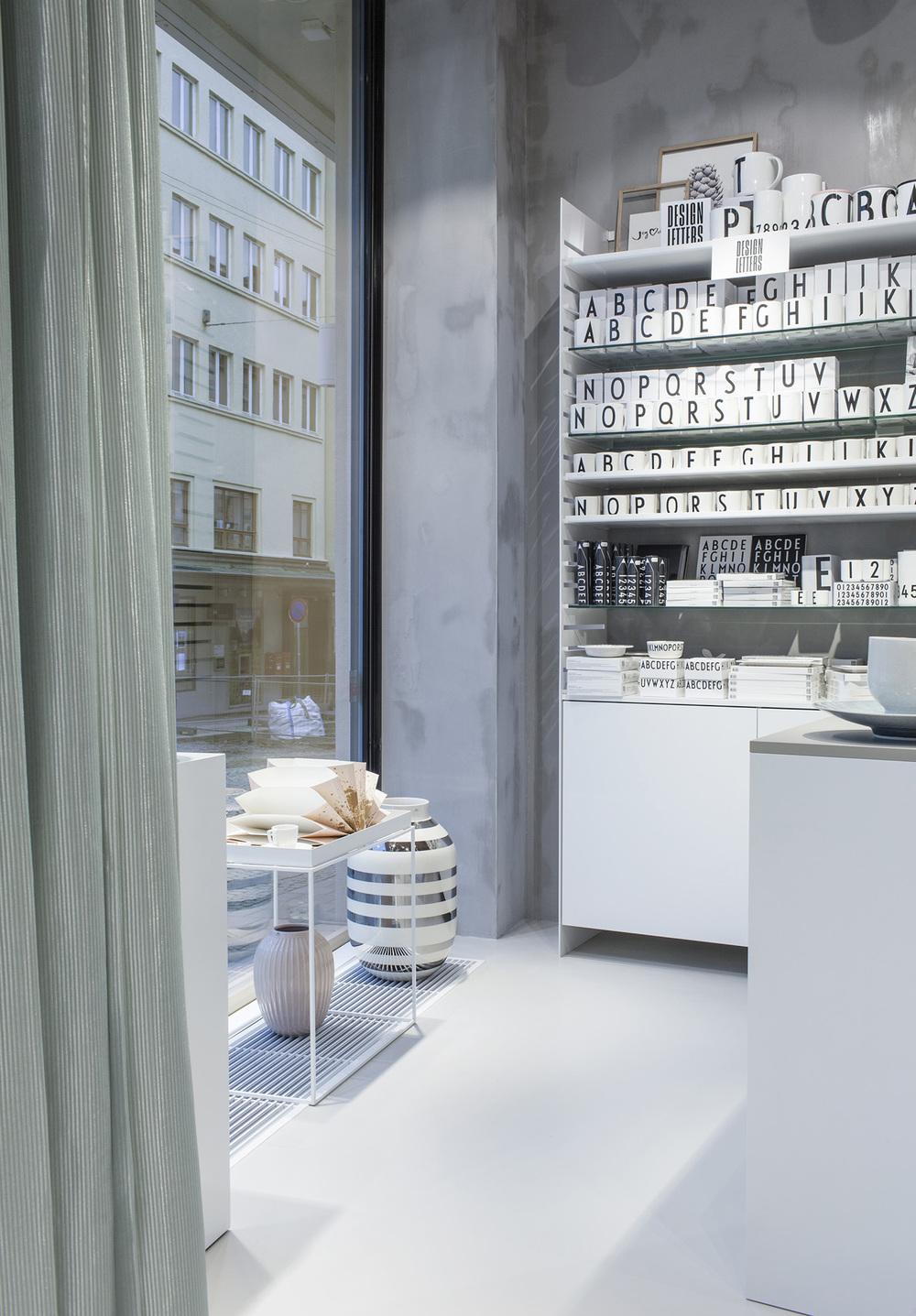 Glass Thomsen Flagship Store Bergen by Brunner Studio Photo by Enok Holsegaard 03.jpg