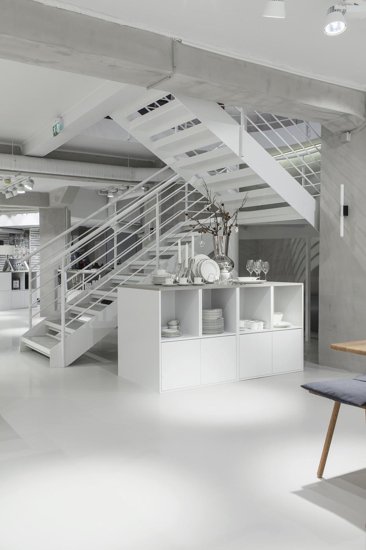 Glass Thomsen Flagship Store Bergen by Brunner Studio Photo by Enok Holsegaard 08.jpg