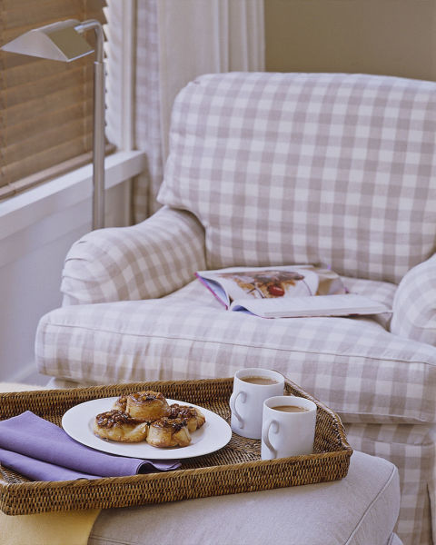 EVERY BEDROOM NEEDS A NOOK FOR COFFEE (AND THOSE INA CINAMMON ROLLS!)