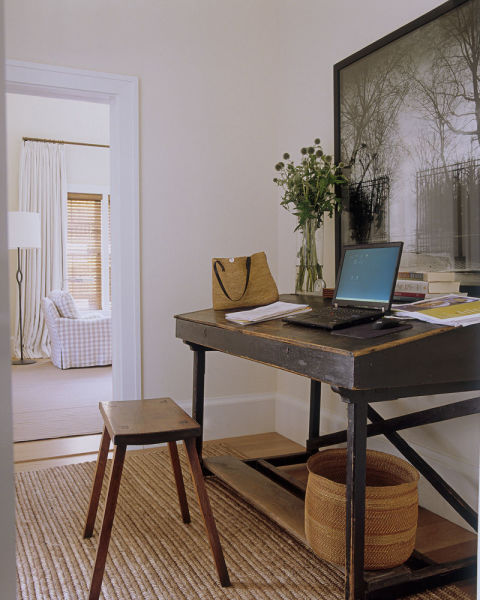 MY DESK NEVER LOOKS THIS PRETTY AND NEAT, BUT OF COURSE INA'S DOES... MAYBE IF MY DESK LOOKED LIKE THAT (AND WAS IN A BARN)