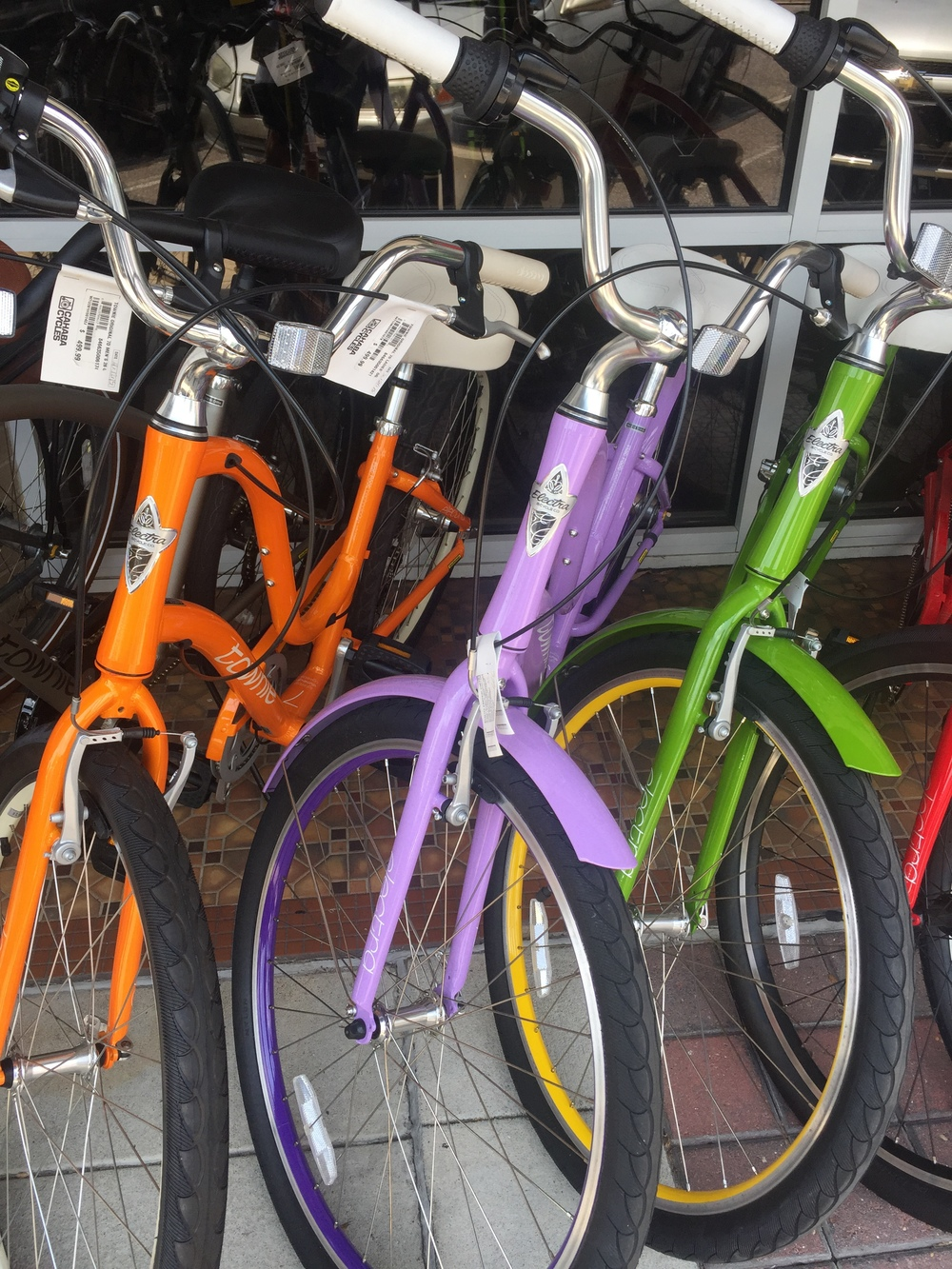 On the way to see the hick's carpets, I also fell in love with these bikes. I really want this purple one, like really want.