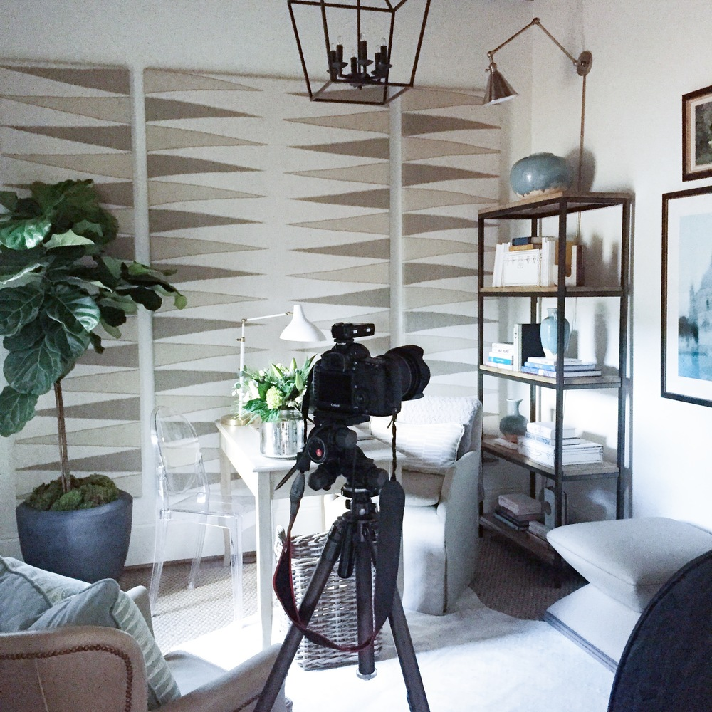 SO FUN TO WATCH THE ROOM GET PHOTOGRAPHED BY THE TALENTED JEAN ALLSOPP