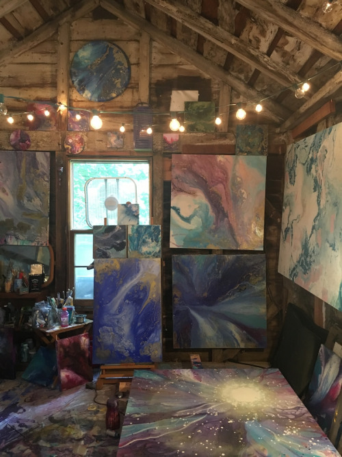 Click the image or go to http://athenslaundry.tumblr.com/post/151658669392/more-studio-visit-tara-bach-artists to read about my work & studio!
