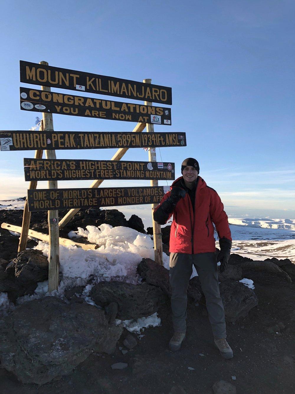 Gipfelfoto auf 5895m AMSL.