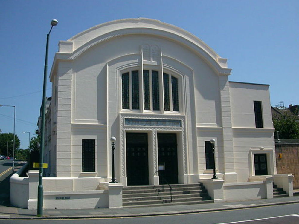 640px-Hove_Hebrew_Congregation_Synagogue_Holland_Road_02.jpg