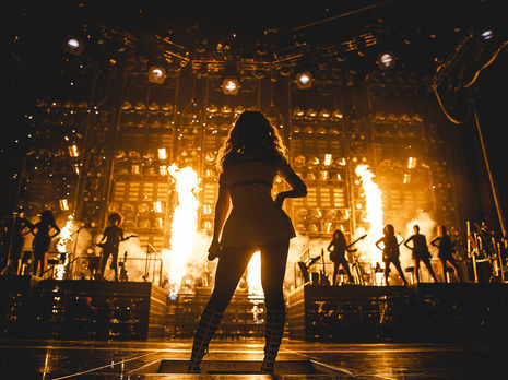 Article courtesy: http://www.billboard.com/articles/news/6128513/beyonce-hbo-mrs-carter-world-tour-concert-live