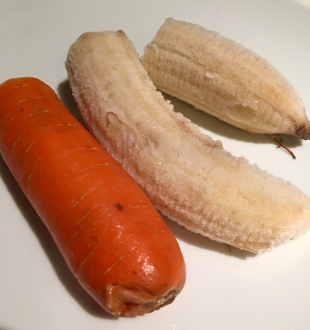 If I had the luxury of time to enjoy a dessert (usually on the weekends), I would always have a plate of frozen banana and carrots to ease my cabbage digestion.