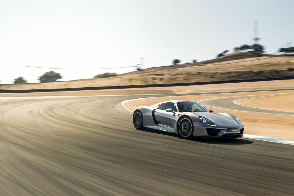 Porsche 918 Spyder at Mazda Raceway Laguna Seca. Photo: Marc Urbano and Porsche Cars North America