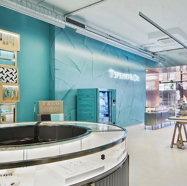 Tiffany & Co. are reinventing the way we think of luxury retail with the introduction of their Style Studio! #alexjamesluxury #tiffanyandco #luxuryretail