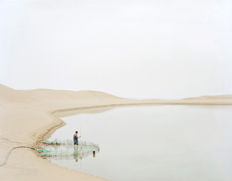 People Pumping in the Desert, Ningxia, 2011