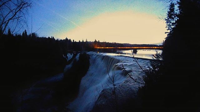 The sun had gone down but the roar of the falls was as powerful as in the light of the day. That long exposure is tough on a smartphone.