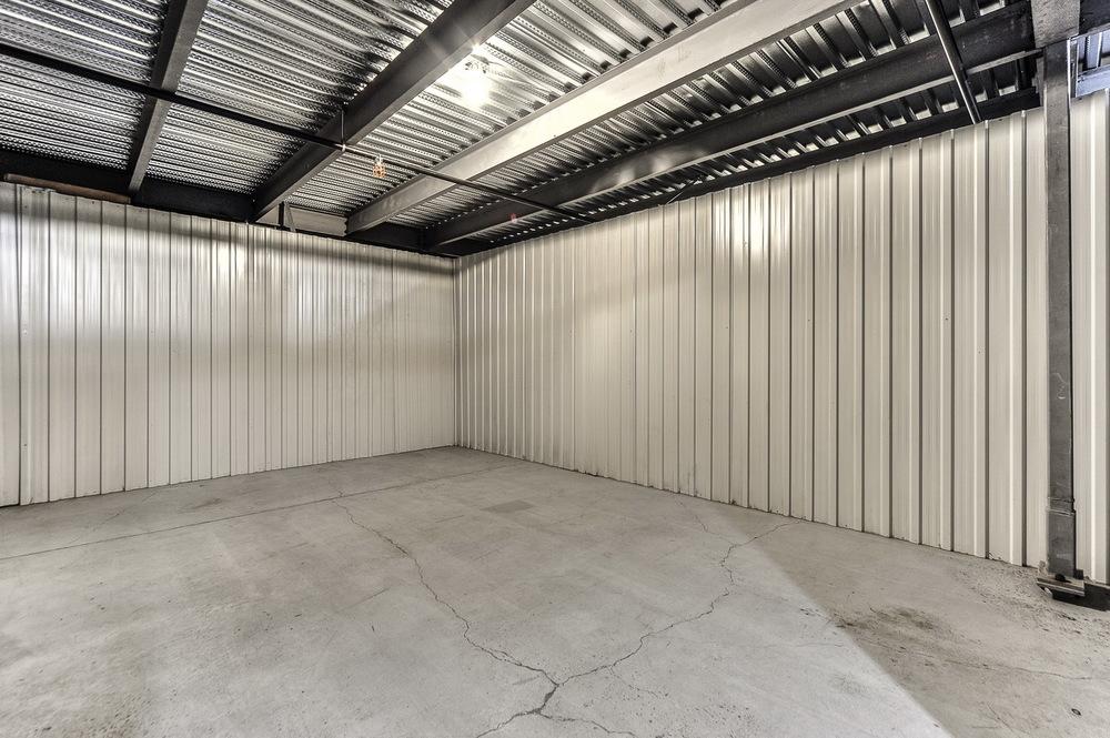 5 x 25(+/-125 pieds carrés)