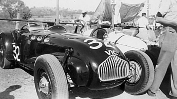 The J2 in the Bathurst paddock during Stan Jones ownership at Easter 1951. Color red, 'standard' Ford Pilot side-valve spec V8. 5 of the 6 J2's imported to Australia entered this meeting,3 started! (Ray Eldershaw Collection)