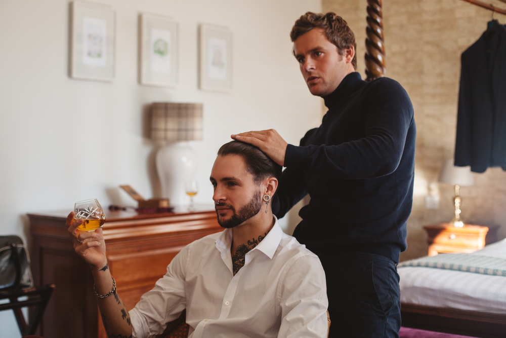 male barber on the wedding